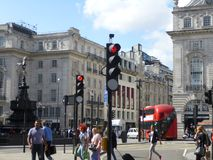 Straßenlandschaft an Picadilly-Zirkus, London stockbilder