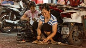 Straßenlebensmittel in der alten Stadt von Hanoi Stockbild