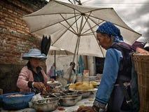 Straßenlebensmittelverkäufer stockfoto