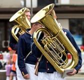 Straßenmusiker, der Tuba spielt Stockfotografie
