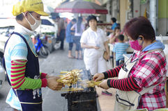 Straßennahrungsmittelkocher Lizenzfreie Stockfotos