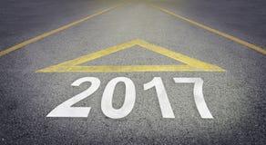 Straßenpfeil, der Geschäftskonzept 2017 nachschickt Stockfoto