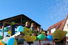 Straßenprozession am deutschen Karneval Fastnacht Lizenzfreies Stockfoto