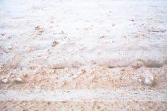 Straßenrand Snowbank entlang US HWY 2 stockbild
