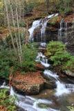 Straßenrand-Wasserfall Lizenzfreies Stockbild