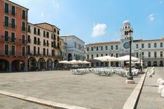 Straßenrestaurant auf Marktplatz dei Signori, Padua Lizenzfreies Stockfoto