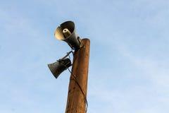 Straßensäule des alten Lautsprechers Ansage stockfotos