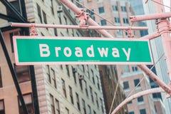 Straßenschild auf Broadway Lizenzfreies Stockbild