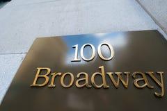 Straßenschild auf Broadway Stockbild