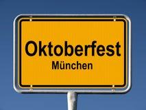 Straßenschild Oktoberfest in München stockfoto
