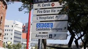 Straßenschilder in Barcelona lizenzfreie stockfotos