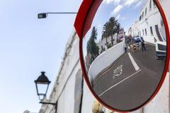 Straßensperre durch Polizei wegen des Marktes in Teguise lizenzfreie stockbilder