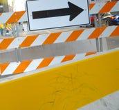 Straßensperren und Richtungen stockfoto
