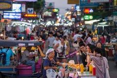 Straßentouristen Bangkoks Khao San Lizenzfreies Stockfoto