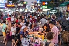 Straßentouristen Bangkoks Khao San Stockbilder