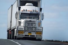 Straßentransport in Australien Stockfotos