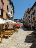 Straße De Amicis in Rovinj lizenzfreie stockfotos