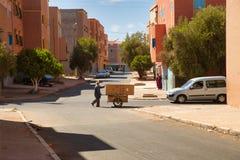 Straßen der marokkanischen Stadt Tiznit, Marokko 2017 lizenzfreie stockfotos