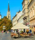 Straßenrestaurant Novi Sad Serbien stockbild