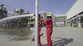 Strażak w przemysle zdjęcie wideo