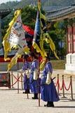 Strażnicy przy Gyeongbok pałac Seul, Południowy Korea Zdjęcie Stock