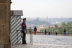 Strażnik honor przy prezydenckim pałac w Praga kasztelu Fotografia Stock