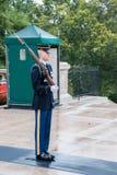 Strażnik przy cmentarzem Arlington w Waszyngton obrazy stock