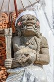 Strażowa statua w udong blisko balijczyk Hinduskiej świątyni, Buruan, Bali, Indonezja fotografia royalty free