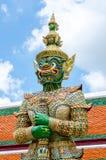 Strażowy Daemon - Królewski Uroczysty pałac Tajlandia zdjęcie stock