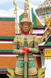 Strażowy Daemon - Królewski Uroczysty pałac Tajlandia obraz stock