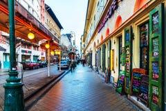 Stra?enansicht von historischem Architektur in Budapest, Ungarn stockbilder