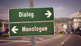 Stra?enschild, gegen Monolog zu dialogieren lizenzfreies stockbild