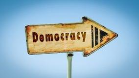 Stra?enschild zur Demokratie stockfotografie