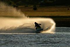 Straal skiactie stock foto