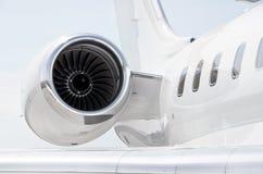 Straalmotor op een Privé Vliegtuig - Bombardier Royalty-vrije Stock Afbeeldingen