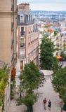 Straat aan de basiliek sacre-Coeur, Parijs Stock Fotografie