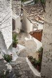 Straat in berat oude stad in Albanië Stock Afbeeldingen