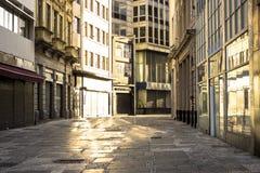 Straat binnen de stad in Stock Foto
