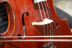 Straat Busker Performing Jazz Music Outdoors Sluit omhoog van Muzikaal Instrument Stock Foto's