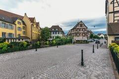 Straat in de Franse stad van Colmar stock foto
