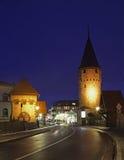 Straat en Hexenturm-toren in Slechte Homburg duitsland royalty-vrije stock foto