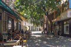Straat en huizen in district Kapana, stad van Plovdiv, Bulgarije stock fotografie