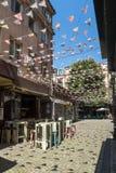 Straat en huizen in district Kapana, stad van Plovdiv, Bulgarije stock foto's