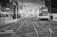 Straat in genoegenstrand in Blackpool stock foto's