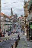 Straat in het centrum van stad van Porto, Portugal royalty-vrije stock fotografie