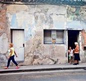 Straat in het oude deel van Havana, Cuba Royalty-vrije Stock Afbeelding