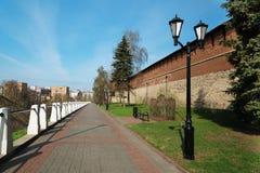 Straat langs het Kremlin in Nizhny Novgorod stock foto's