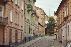 Straat met huizen stock fotografie