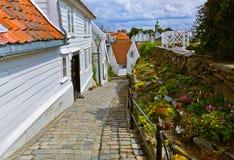 Straat in oud centrum van Stavanger - Noorwegen Royalty-vrije Stock Foto's