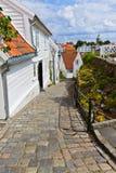 Straat in oud centrum van Stavanger - Noorwegen Stock Afbeelding